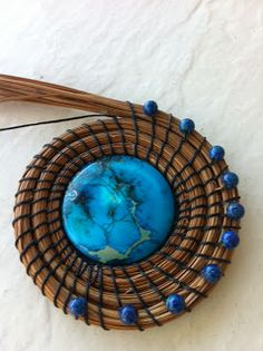 Extraordinary World Pine Needle Basket Feb. 2012 Florida Pines This basket was my second Pine Needle Basket adventure. Rope Basket, Basket Weaving, Pine Needle Crafts, Straw Crafts, Pine Needle Baskets, Weaving Art, Flax Weaving, Weaving Projects, Embroidery Designs