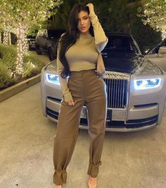 Kylie Jenner looks incredible in a champagne top and leather trousers as she went for girl's night out Kylie Jenner Outfits, Mode Kylie Jenner, Trajes Kylie Jenner, Looks Kylie Jenner, Estilo Kylie Jenner, Kris Jenner, Kylie Jenner Corset, Kylie Jenner Images, Kylie Jenner Instagram