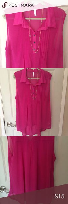 👛Pretty Pink buttoned sleeveless top!👛 Gorgeous! Sheer fabric adds elegance- wear cami underneath. Excellent condition. Layer with a long cardi or duster for Fall! 👛 Buy two or more items and receive a 15% discount!👛 Merona Tops Blouses
