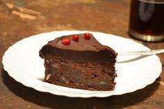 Tort de ciocolata cu cafea si whiskey - un tort delicios de ciocolata neagra cu aroma intensa de cafea si whiskey.