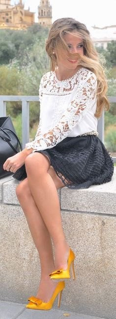 Shining bow shoes, lace detail blouse and skirt