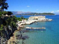 Η Κέρκυρα είναι το βορειότερο και δεύτερο σε μέγεθος νησί στα Επτάνησα. Η Κέρκυρα είναι ένα κοσμικό νησί με πολύ αναπτυγμένο τουρισμό και είναι πολλοί αυτοί που την επιλέγουν για διακοπές και ταξίδια αναψυχής. Το νησί Κέρκυρα βρίσκεται στην είσοδο της Αδριατικής θάλασσας, κοντά στις ηπειρωτικές ακτές και ανήκει στα πλέον πυκνοκατοικημένα νησιά της μεσογείου, με πυκνότητα πληθυσμού 193 κατοίκους ανά τετραγωνικό χιλιόμετρο. Στην πόλη της Κέρκυρας κατοικούν 28.185…