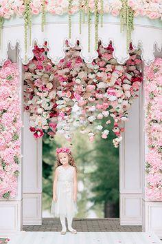Свадьба в стиле французского кондитерского дома Ladurée, свадебная арка