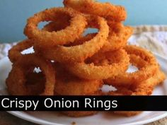 Blooming Onion Dipping Sauce: cup sour cream 2 tablespoons ketchup teaspoon seasoned salt teaspoon crushed red pepper flakes 1 teaspoons finely grated raw horseradish teaspoon paprika Dip those delicious deep fried onions in this awesome concoction! Beer Battered Onion Rings, Baked Onion Rings, Onion Rings Recipe, Baked Onions, Crispy Onions, Bacon Fried Cabbage, Bloomin Onion, Instant Mashed Potatoes, Food Wishes