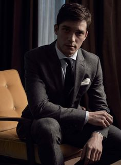 THE SUIT SPECTRUM - Reiss Editorial