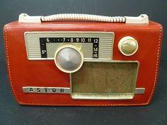 VINTAGE ASTOR SPORTSTER BATTERY OPERATED VALVE / TRANSISTER RADIO ...