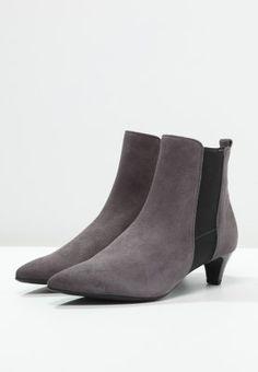 Stilvolle Stiefeletten mit angenehmer Absatzhöhe. Högl Stiefelette - dark  grey für 129,95 € 942b0647c9