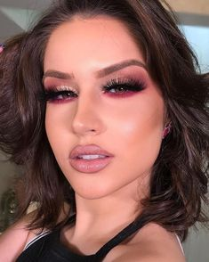 This post contains the best Valentine's day makeup ideas. These makeup looks are terrific. They will definitely add sexiness to your look. Makeup Eye Looks, Red Makeup, Makeup For Brown Eyes, Glam Makeup, Love Makeup, Makeup Inspo, Makeup Art, Makeup Inspiration, Hair Makeup