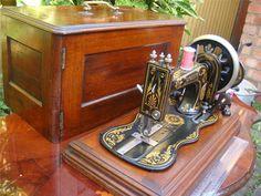 Hand Crank 12K Singer Sewing Machine