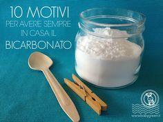 Bicarbonato, amore mio.Dall'alimentazione all'igiene personale, il bicarbonato ormai è entrato stabilmente in casa nostra sostituendo moltissimi prodotti
