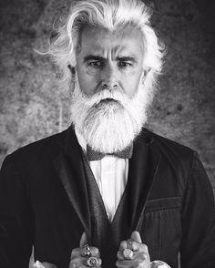 @prosacalwaysmile #gentleman #dandy #beardporn #beard #style #mustache #model #modelmale #pappillon