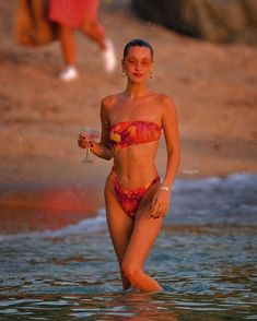 Bells on a beach in St Barths Bella Hadid Estilo, Style Bella Hadid, Bella Hadid Outfits, Bella Hadid Photoshoot, Bella Hadid Hair, Bella Gigi Hadid, Summer Body Goals, Mode Ootd, Actrices Sexy