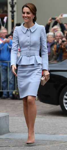 Catherine, Duchess of Cambridge in Catherine Walker arrives at the Mauritshuis Gallery during a solo visit to the Hague. #bestdressed