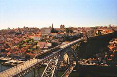 Porto Camera: Olympus Trip 35 Film: Kodak ColorPlus (c) Tomasz Olejnik Olympus Trip, Lomography, 35mm Film, Film Photography, Paris Skyline, Portugal, Aesthetics, France, Travel