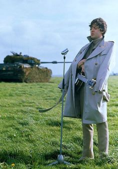 Sir Paul McCartney:) Poor Paul he's freezing but he still looks adorable:) The Beatles 1, Beatles Band, Beatles Photos, Great Bands, Cool Bands, Liverpool, Bug Boy, Sir Paul, The Fab Four