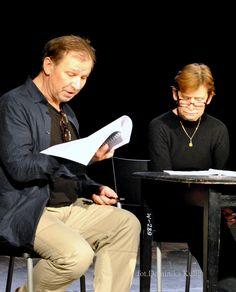 """Próba czytana tekstu """"Wasza Wysokość"""" - Teatr Rozmaitości w Warszawie. Na scenie: Jadwiga Jankowska-Cieślak i Henryk Niebudek."""