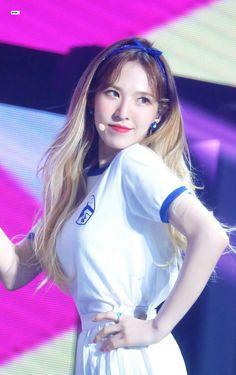 Red Velvet 레드벨벳 : Wendy