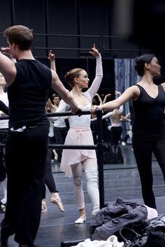 Natalie Portman - Black Swan (2010) (2336×3504)