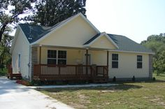 Muskegon County Habitat for Humanity House #81  -  Muskegon (2007 sponored by Muskegon Area Vocational Consortium) http://muskegonhabitat.org/homeownership