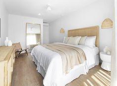Bedroom Inspo, Home Bedroom, Bedroom Decor, Bedroom Ideas, Bedrooms, Hygge, Modern Chic Decor, Boutique Hotel Room, Ideas Habitaciones