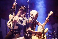 Nicke Andersson -voz y guitarra- y Dregen -guitarra- de The Hellacopters, Azkena Rock Festival 2016, Mendizabala, Vitoria-Gasteiz, 17/VI/2016. Foto por Dena Flows  http://denaflows.com/galerias-de-fotos-de-conciertos/h/the-hellacopters/