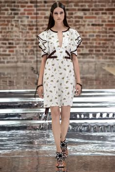 83 best PE 2017 images on Pinterest   High fashion, Womens fashion ... eee23df9973