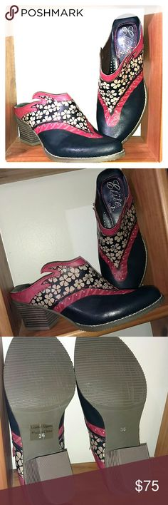 WESTERN STYLE CORKYS ELITE BOOTS (LEATHER) Gorgeous & Rare Corkys Leather Boots  Design as Shown Worn MAYBE 2X ?? MAKE A STYLE STATEMENT w/ these BOOTS EXCELLENT CONDITION elite by Corkys Shoes Ankle Boots & Booties