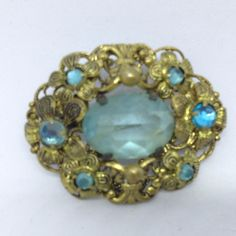Vintage FLOWER BROOCH PIN Blue Faceted GLASS & RHINESTONE Gold Tone Jewelry $5.00 Sale! #ebay  #vintagebrooches  #bringbackthebrooch