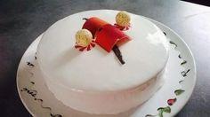 A Glaçagem de Chocolate Branco dá um acabamento profissional aos seus bolos através do efeito espelhado. Crie esse efeito tão desejado e valorize ainda mai