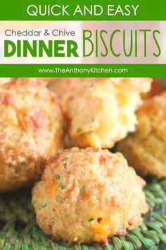 A quick and easy, buttery drop biscuit featuring a made-from-scratch biscuit dough, cheddar cheese, and fresh chives. Makes for a lovely brunch item, but also a great dinnertime side dish. Dinner Side Dishes, Side Dishes Easy, Side Dish Recipes, Easy Dinner Recipes, Appetizer Recipes, Southern Homemade Biscuits, Homemade Breads, Easy Drop Biscuits, Chicken Spaghetti Recipes