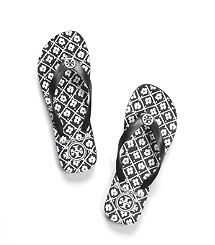 Printed Flip Flop by Tory Burch! Summer must have!