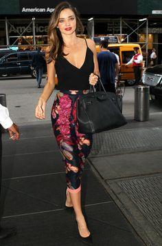 Miranda Kerr: nadie luce como ella los 'looks' en clave lady Office Outfits, Casual Outfits, Summer Outfits, Cute Outfits, Fashion Outfits, Womens Fashion, Estilo Miranda Kerr, Outfit Trends, Work Attire