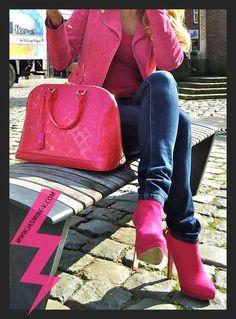 Louis Vuitton handbag EVERYTHING looks good in #PINK #LouisVuitton