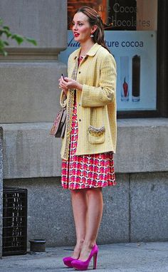 6x06. Ugh. The coat. No. Unshapely and ugly color and texture. And the shoes don't quite match. Hmmm....I like the dress though. Lyn Devon dress. Valentino bag.  Rupert Sanderson shoes.