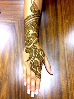 so stylish mehandi!