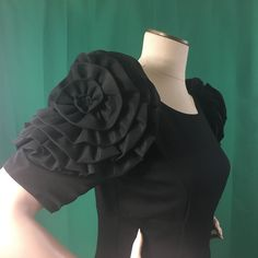 Little Black Dress Size Small Nue by Shani Built in Shaper Knee Length Bodycon #NueByShani #Shift #LittleBlackDress