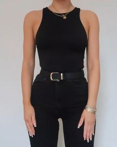 Casual Women Spring Outfits to Copy for 2020 – - Mix & match all black outfits, tag someone who only wears black 🙊 By: Fashion Influx - Chic Black Outfits, Cute Casual Outfits, Stylish Outfits, Black On Black Outfits, All Black Outfit For Work, Black Girl Fashion, Trendy Fashion, Steampunk Fashion, Gothic Fashion