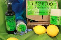 Libero heißt Freiheit. Ein Körper und Sinnesöl mit dem Duft von Zitrone und Frische. Eine Massagekerze für schöne Stunden zu Zweit und die Handgemachte Seife Liebero - frei von Duftstoffen aus Kokosöl. Natural Cosmetics, Soap, Personal Care, Bottle, Freedom, Organic Beauty, Lemon, Nice Asses, Self Care