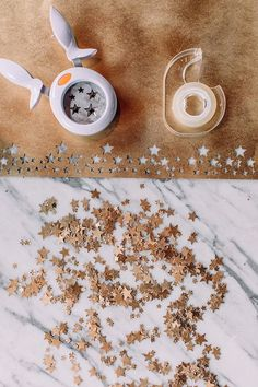 Diy gifts for mom - DIY Star Confetti Tape – Diy gifts for mom Diy Gifts For Christmas, Diy Gifts For Mom, Diy Gifts For Boyfriend, Christmas Gift Wrapping, Diy Star, Diy Confetti, Confetti Ideas, Paper Confetti, Craft Gifts