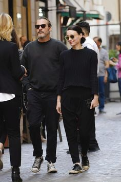 41 Catchy Outfit Street Style Ideas For Men - Mens street style Rooney Mara, Fashion Couple, Mens Fashion, Fashion Outfits, Style Fashion, Couple Outfits, Fashion Images, Gentleman Style, Looks Style