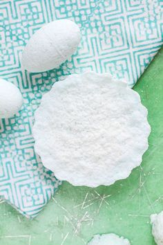 No-Fail Recipe for Ultra-Relaxing Bath Bombs | http://hellonatural.co/diy-bath-bombs/