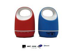Altavoz Portátil Mini Inalambrico Con Bluetooth, Radio, MicroSD, USB y Con Batería Recargable  - http://complementoideal.com/producto/audios/altavoz-mini-con-bluetooth-radio-microsd-y-usb-modelo-9208/  - Altavoz Mini Con Bluetooth con Radio, MicroSD y USB   Además con el Altavoz Mini Con Bluetooth podrás disfrutar de todas las emisoras de la Radio FM para que no te pierdas tus programas favoritos. El Altavoz Mini Con Bluetooth es compatible con tarjetas SD, Mi