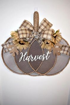 Home Decor art Easy DIY Pumpkin Decorating Ideas, Fall, Thanksgiving and Halloween Einfache DIY Kürbis Deko Ideen, Herbst, Thanksgiving und Halloween Fall Crafts, Diy And Crafts, Summer Crafts, Easter Crafts, Decor Crafts, Christmas Crafts, Diy Pumpkin, Pumpkin Wreath, Fall Pumpkin Crafts