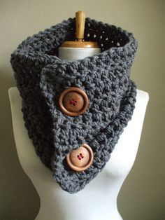 Super Chunky Cozy Crochet Cowl NeckWarmer Great idea and super easy!