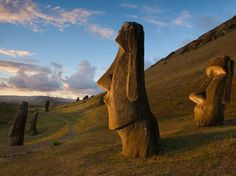 The Moai statues are also known as 'moai', 'Easter Island heads' and 'Easter Island statues', are monolithic human figures carved by the Rapa Nui people between National Geographic, Cool Places To Visit, Places To Travel, Travel Destinations, Places Around The World, Around The Worlds, Easter Island Statues, Historical Monuments, World Heritage Sites