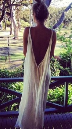 Perfect inspiration for maternity shoot gown