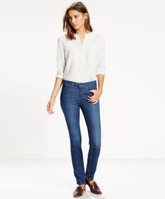 Levi's712 Slim Bay Laurel Smal klassisk jeans med fin lommeplassering. Flatterende passform, god strech og normal livhøyde. Modell som passer de aller fleste. 87% bomull, 12% polyester og 1% elastane. Finnes i to forskjellige benlengder: 32 og 34 tommer.