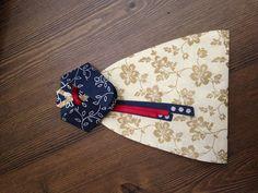 Hanbok Card(Korean traditional dress)ivory   ,arm folding