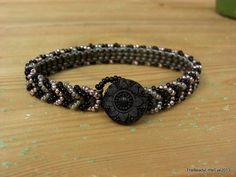 Noir, armband gemaakt met rocailles in zwart zilver en mauve op Etsy, 11,23€