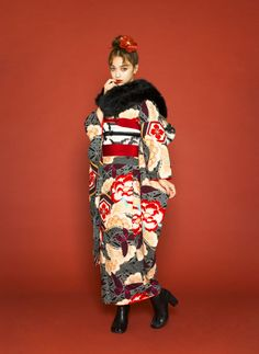 Traditional Fashion, Traditional Outfits, Japanese Kimono, Japanese Girl, Fashion Photo, Fashion Art, Fashion Design, Kimono Fashion, Fashion Dresses